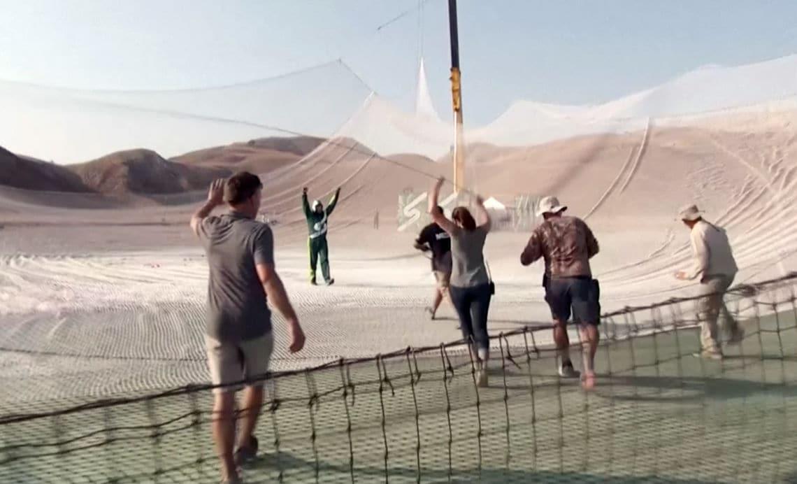 Der Stuntman steht wieder auf sicherem Boden.