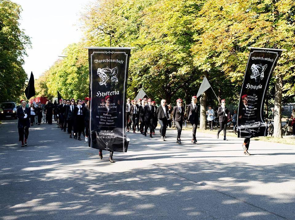 """Der """"Totenmarsch in Gedenken an das Patriarchat"""""""