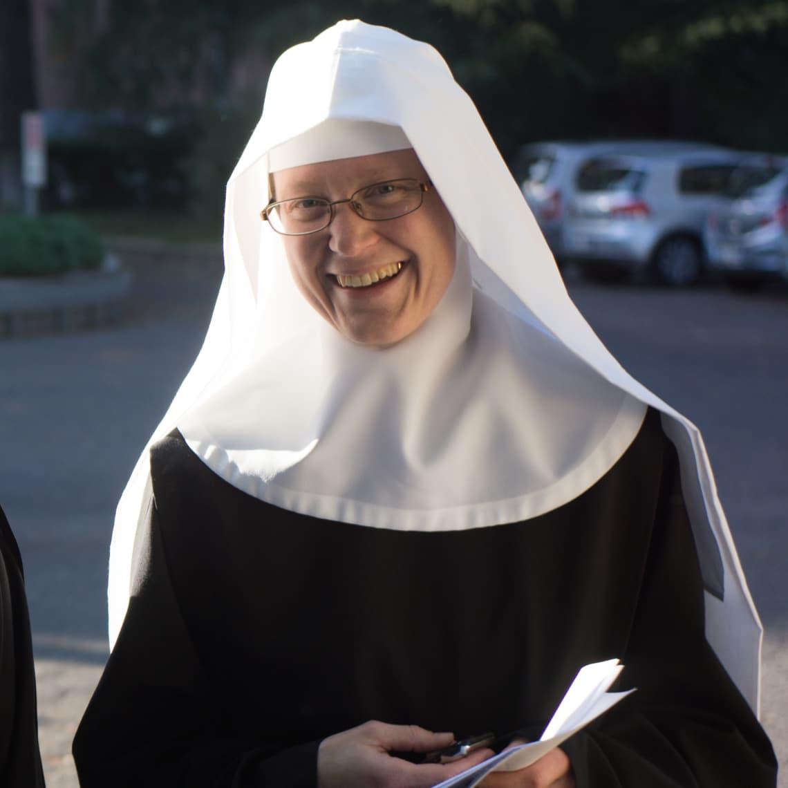 Sex mit Nonne auf einem Strohballen