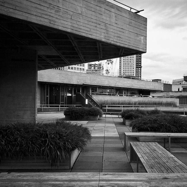 brutalismus cover instagram sosbrutalism