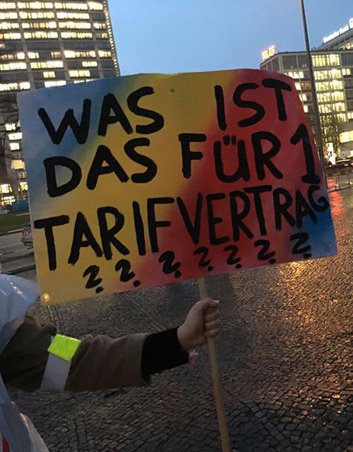Eines des Plakate beim Streik am Dienstag, 23. Januar.