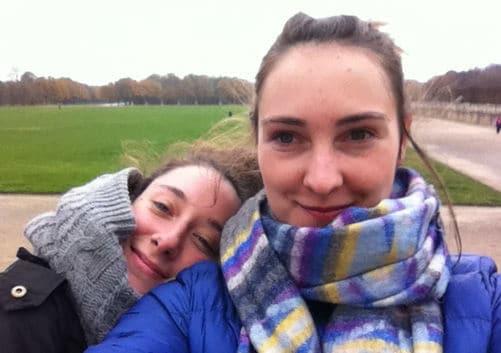 Die Filmemacherinnen Annelie (links) und Vera (rechts).