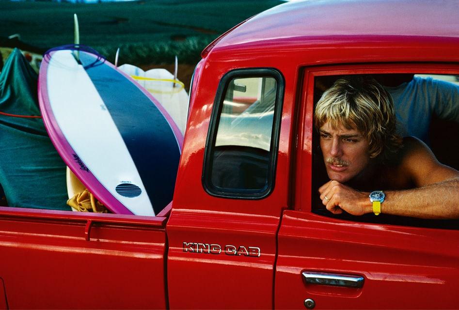 Dieses Foto von Surfer Steve Massfeller in seinem Truck entstand in den 1960-Jahren.
