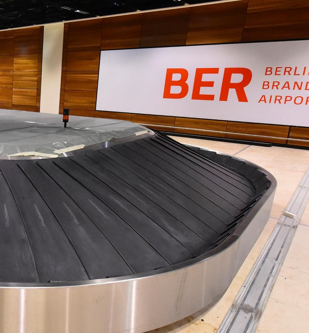 Ein leeres Gepäckband am Flughafen Berlin Brandenburg.