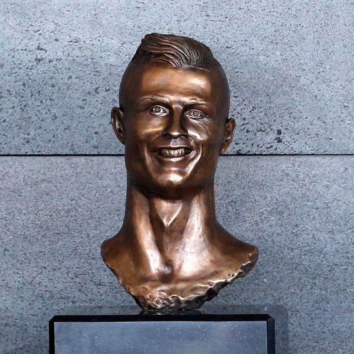 Why Cristiano Ronaldo better Than Lionel Messi