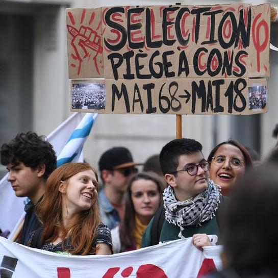 proteste frankrecih cover