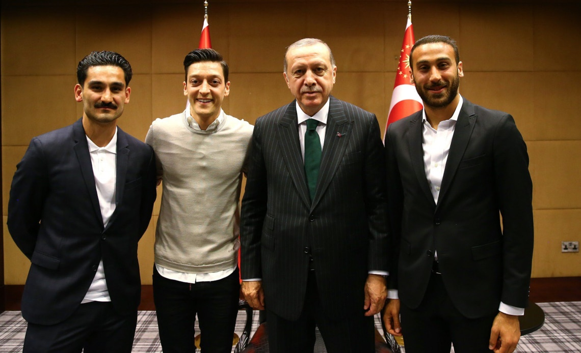 Dating türkische JungsIch bin 23 und datiere einen 16-Jährigen