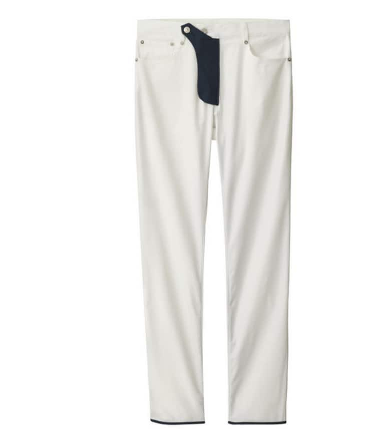 Die Hose, designt von Kim Jones, gibt es in den Farben Weiß, Khaki und Schwarz.