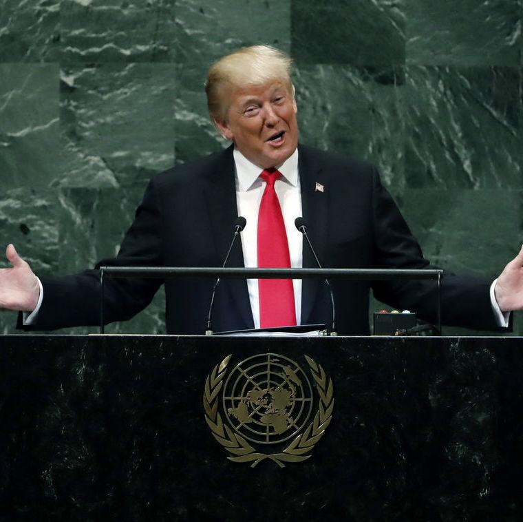 """Trump so: """"Meine Regierung hat mehr erreicht als beinahe jede andere Regierung"""", die Delegierten so: """"Kicherkicher""""."""