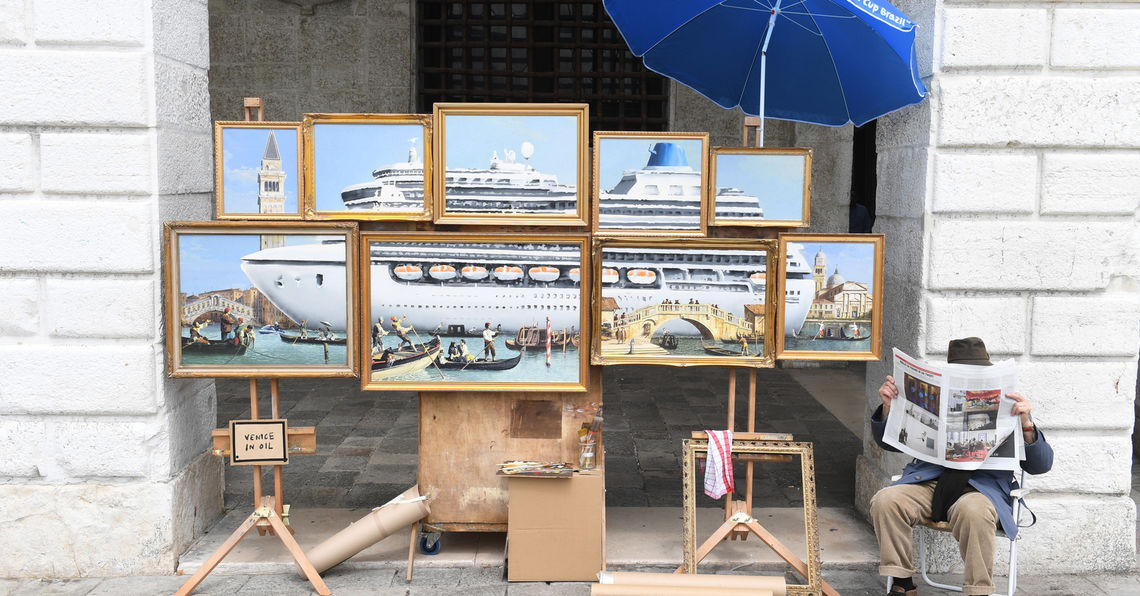 Banksy taucht in Venedig als einfacher Straßenkünstler auf