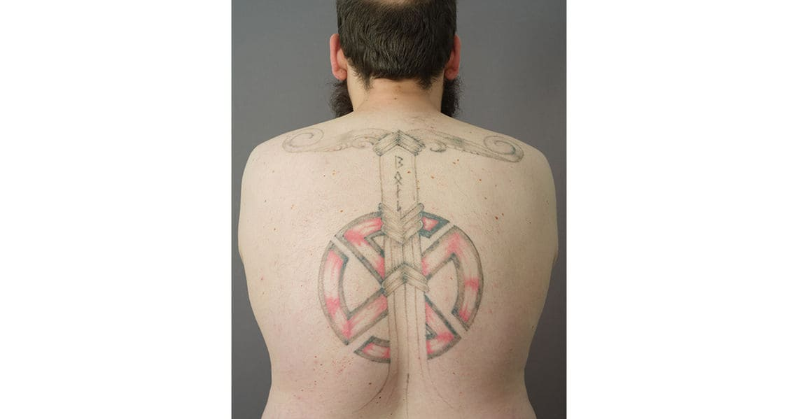 fotoprojekt nazi tattoos ueberstechen fotostrecke 3