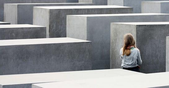 Was Schüler*innen in anderen Ländern über den Holocaust lernen