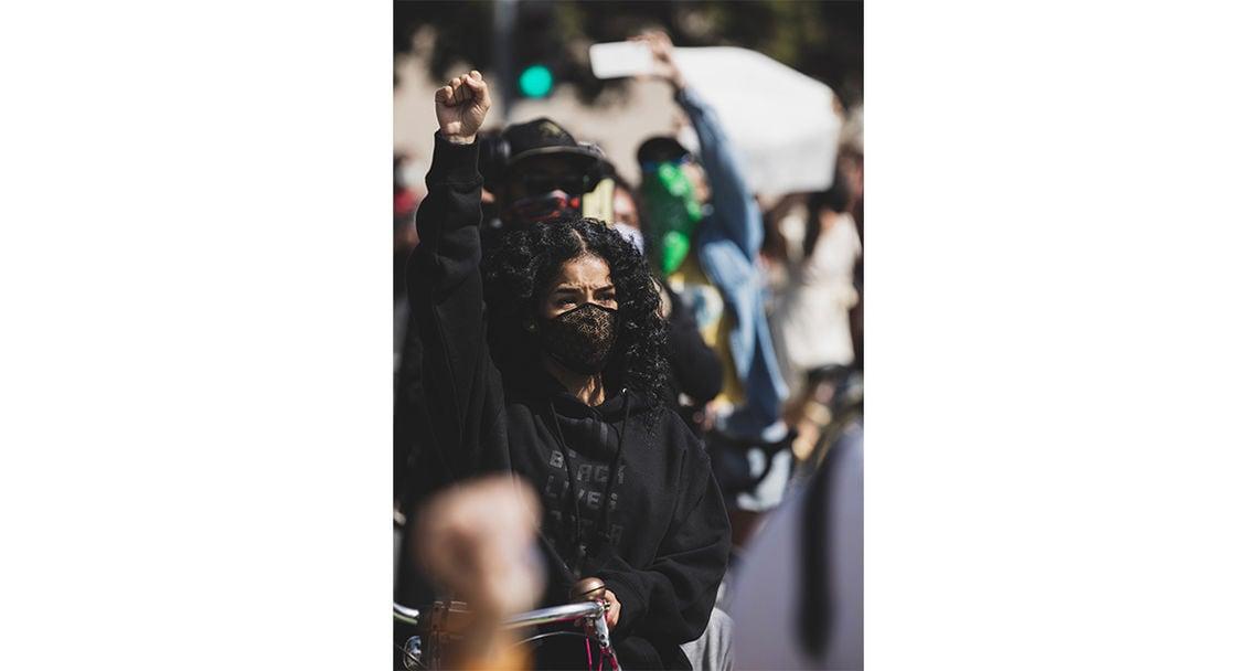 fotos proteste chris laxamana galerie samonica 35